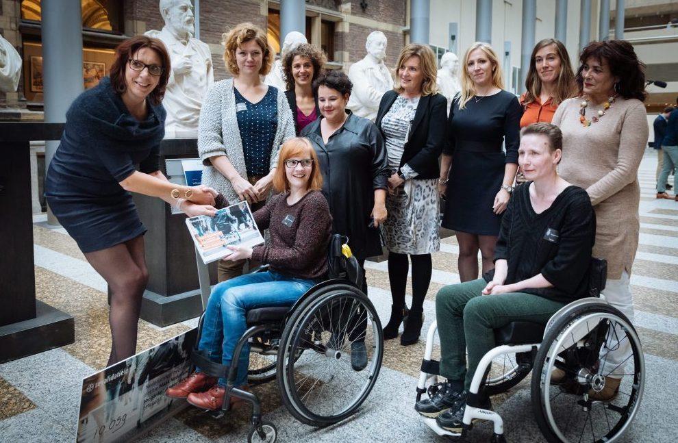 Aanbieden petitie 'Maak Nederland toegankelijk voor iedereen' commissie Volksgezondheid