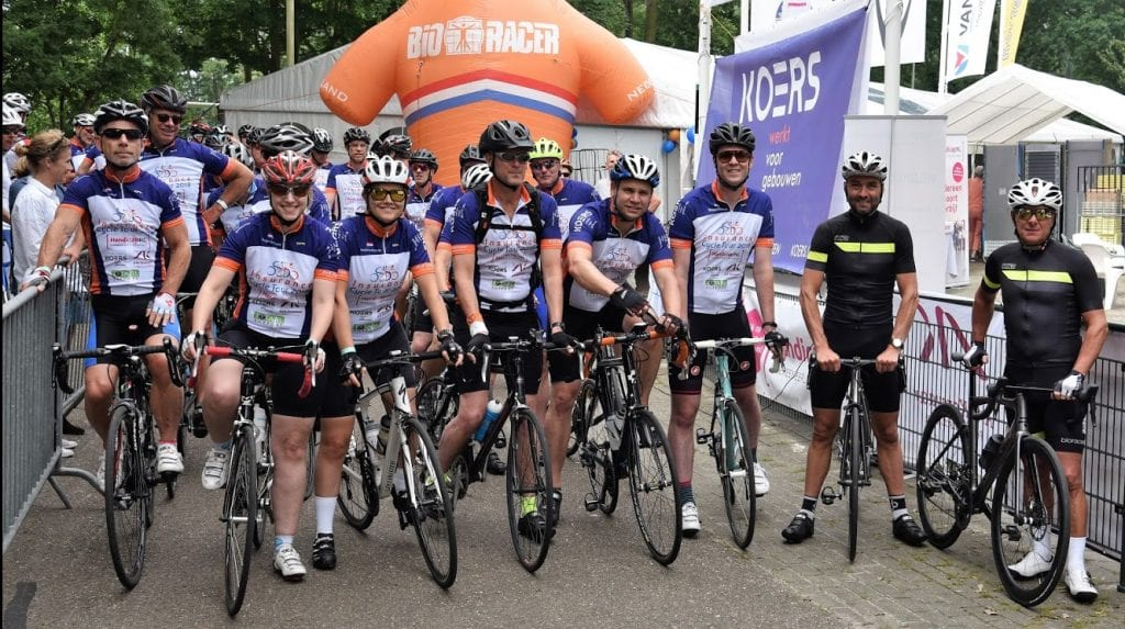 Insurane cycle tour haalt geld op voor HandicapNL