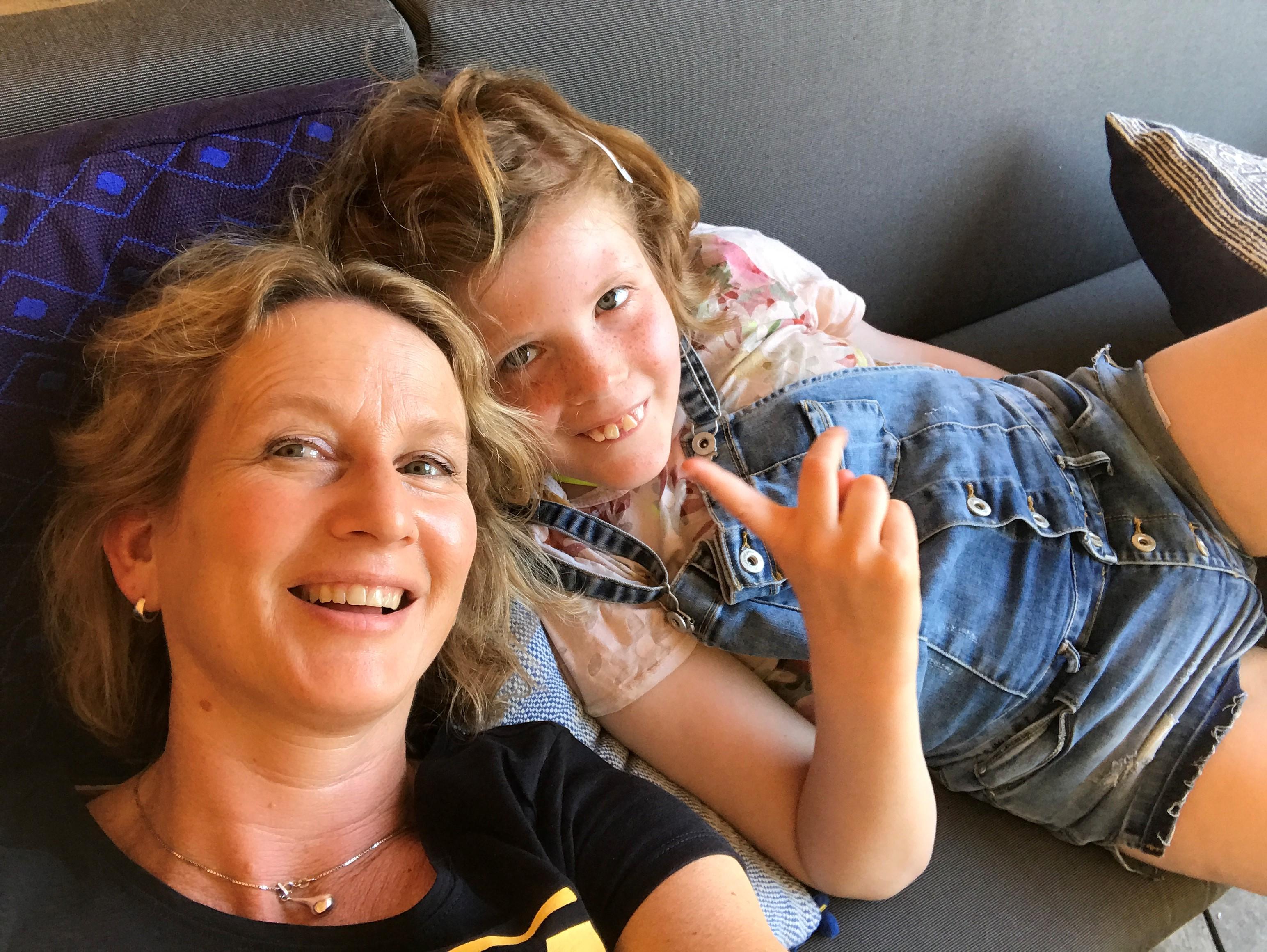 Metje met dochter Brecht die een verstandelijke beperking heeft