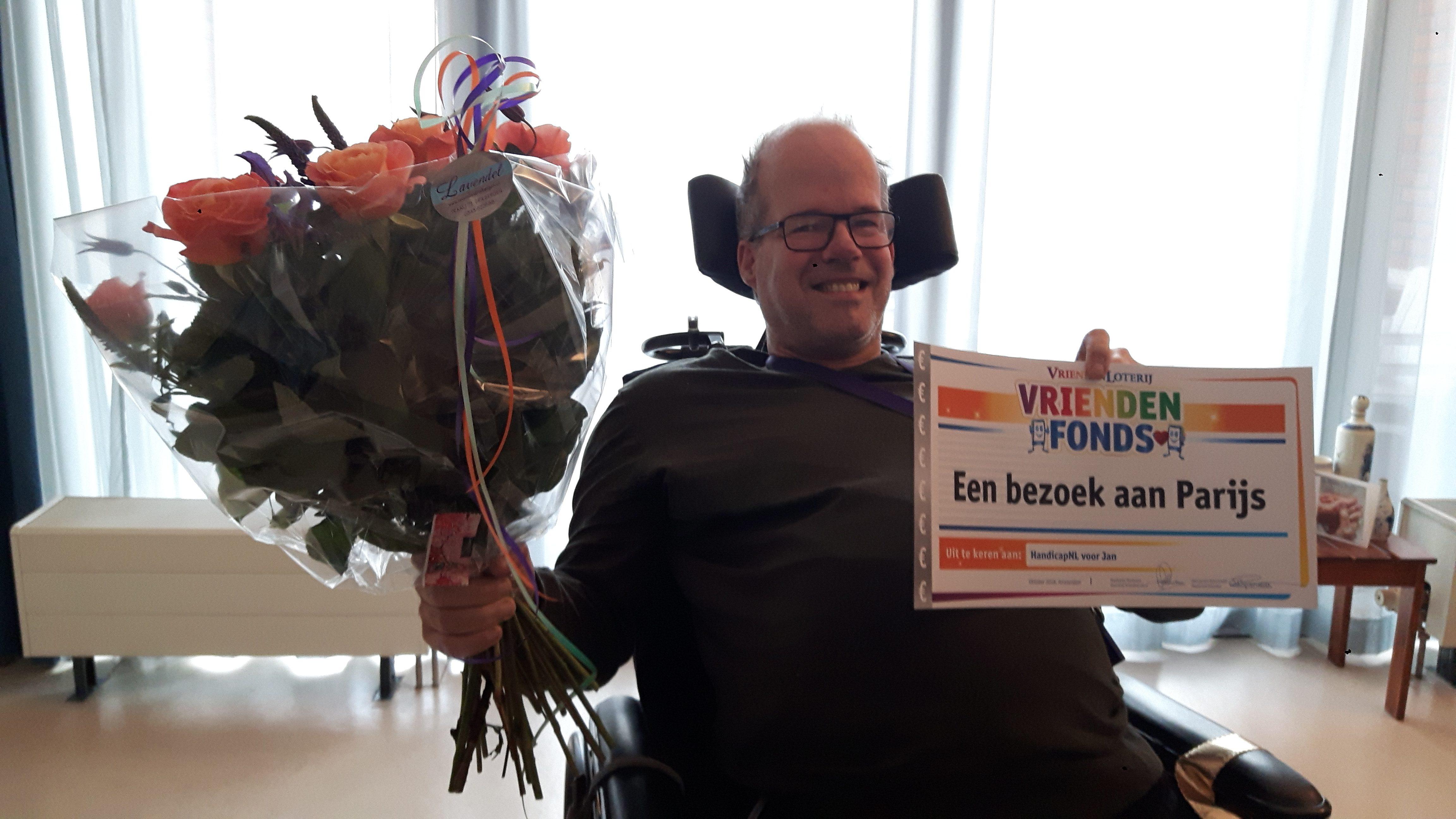 Foto van Jan die prijs wint met HandicapNL en de VriendenLoterij
