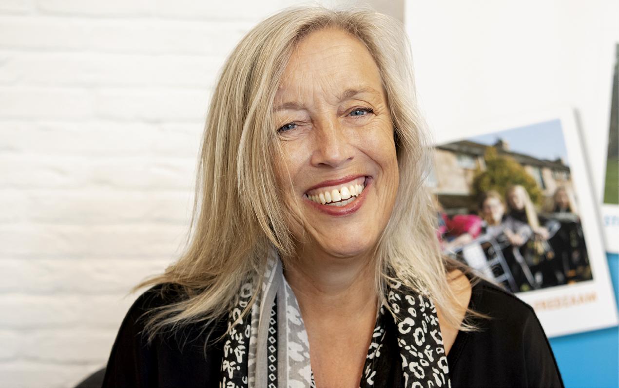 Portretfoto Irene Domburg handhelpen.nl