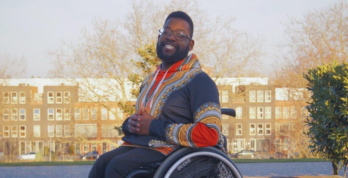 Clifford Thomas 2, onzichtbaar, handicapNL, gallerij