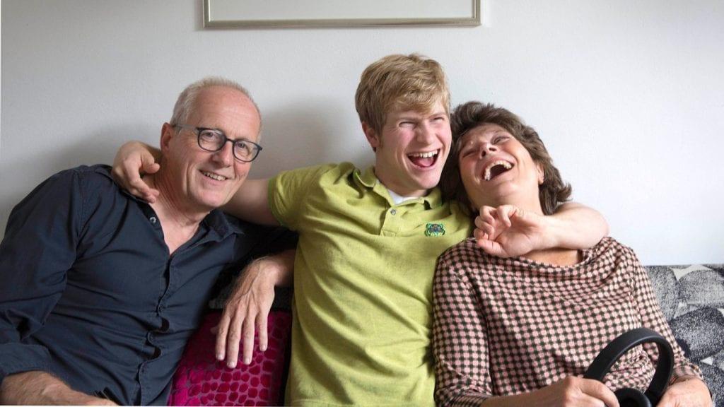 Mathijs met zijn ouders Tineke en Richard