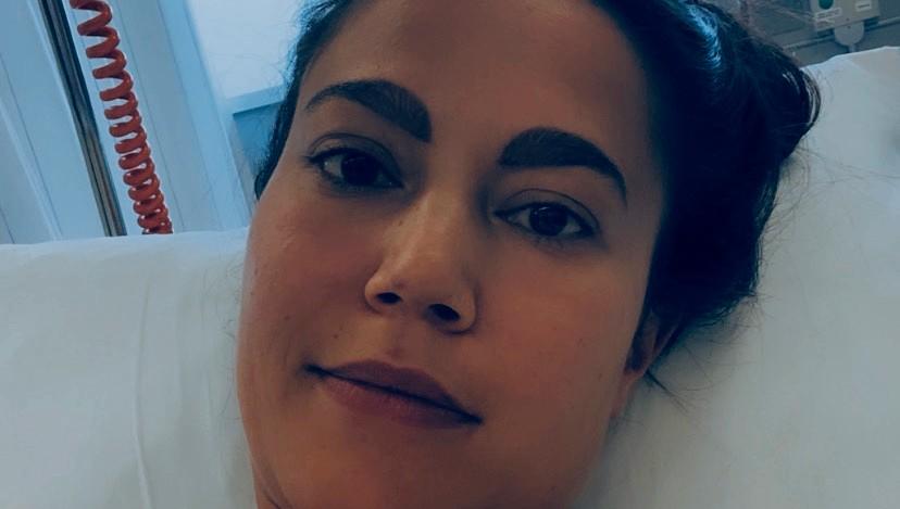 Rachel in het ziekenhuisbed